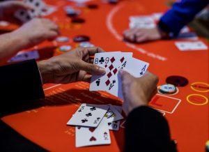 Mudah Menang Bermain Judi Poker Online Untuk Pemula